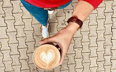 Von Müll und Kaffee – Warum Sie auf Mehrwegbecher im Pfandsystem setzen sollten